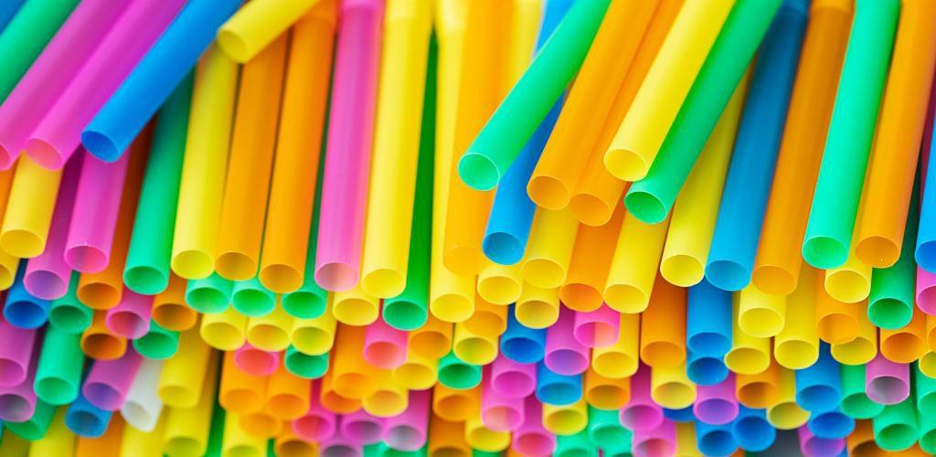 نی یکبار مصرف پلاستیکی